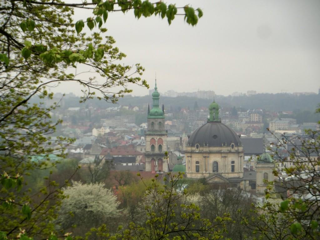 korinttornet och Dominikanska kyrkan
